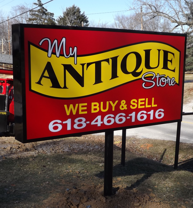 Myantiquestore Sells Old Glassware